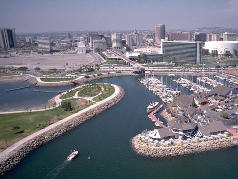 长滩海岸海滨重建