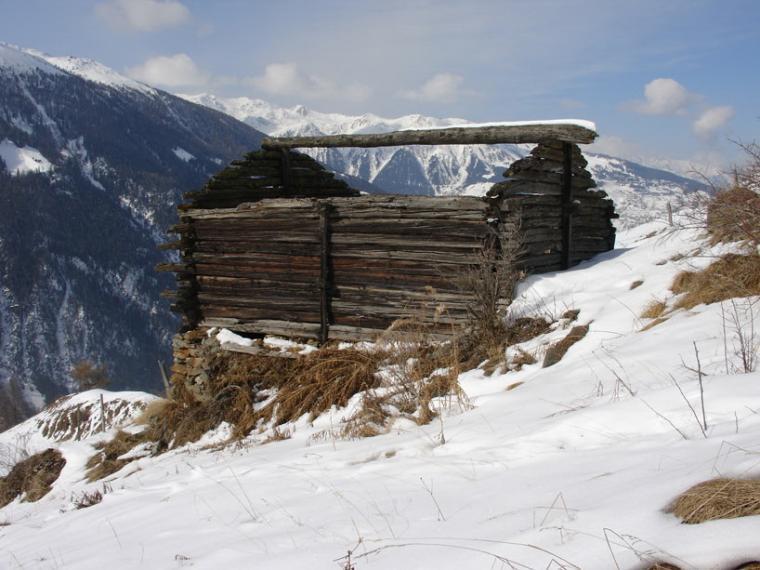 瑞士阿尔卑斯山住宅第11张图片