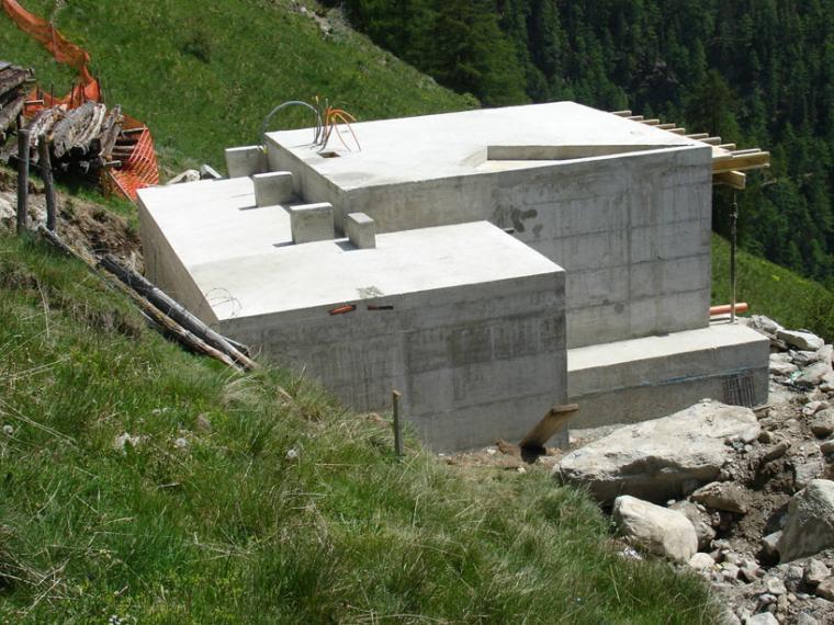 瑞士阿尔卑斯山住宅第12张图片