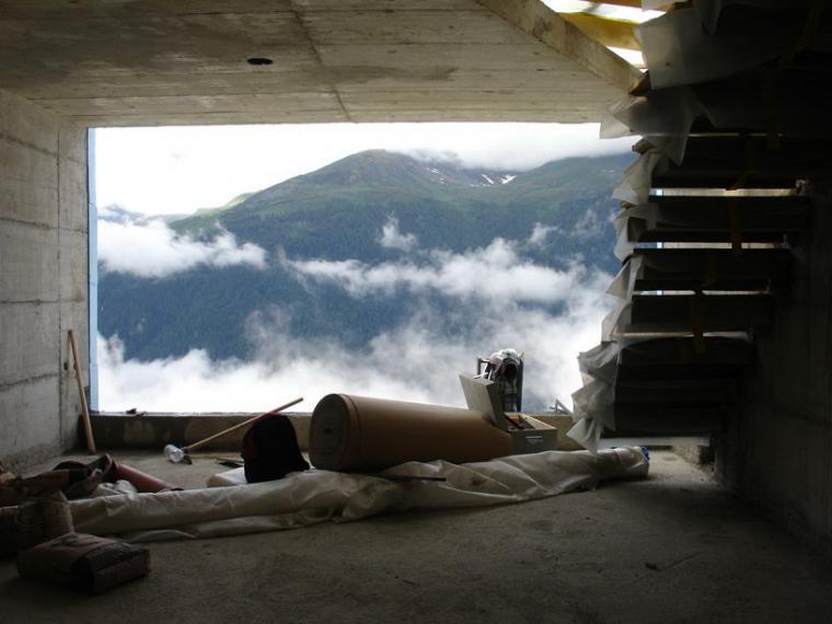 瑞士阿尔卑斯山住宅第13张图片