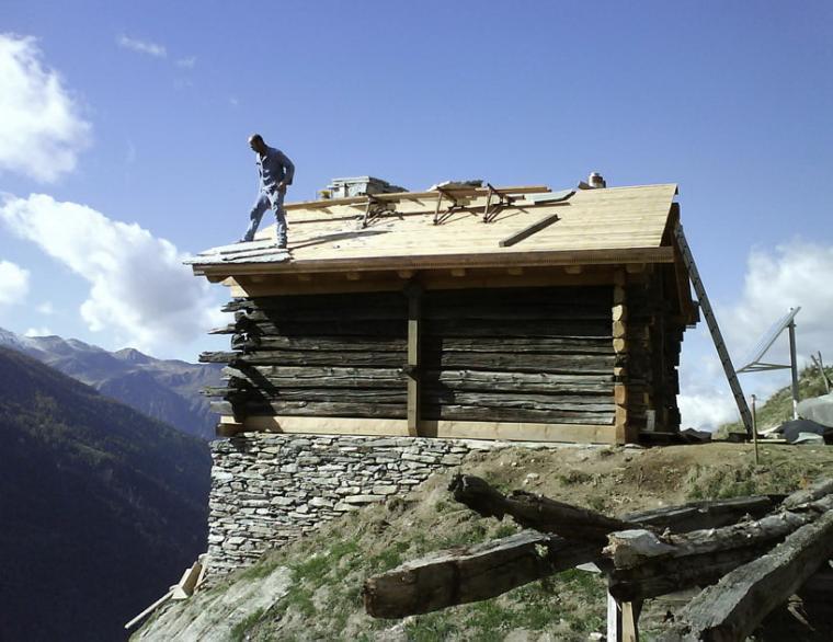 瑞士阿尔卑斯山住宅第14张图片