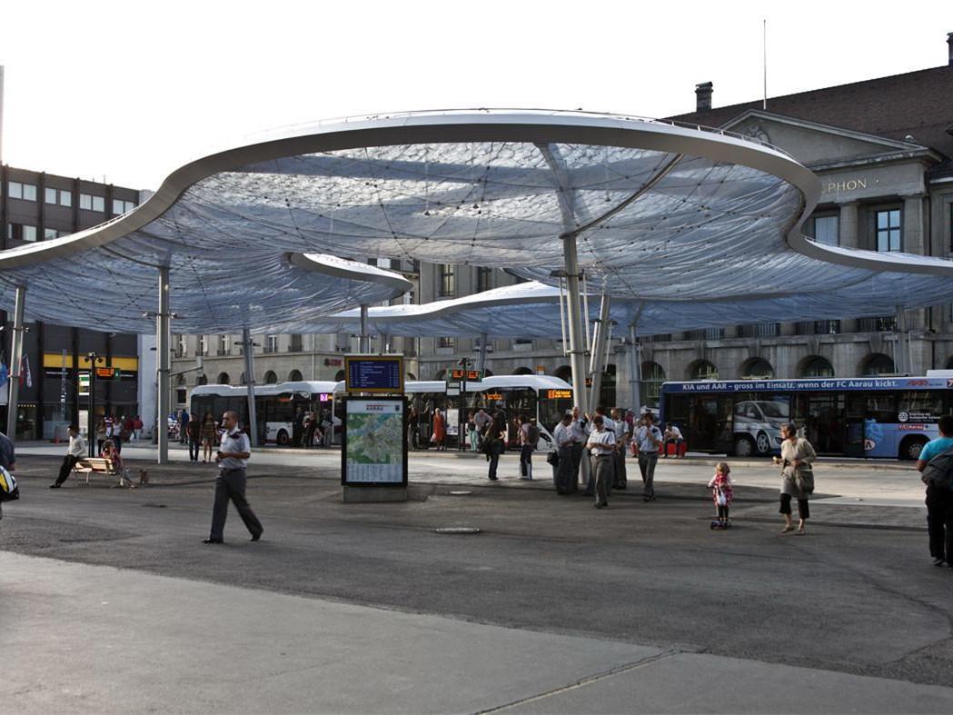 瑞士阿劳市的汽车站景观