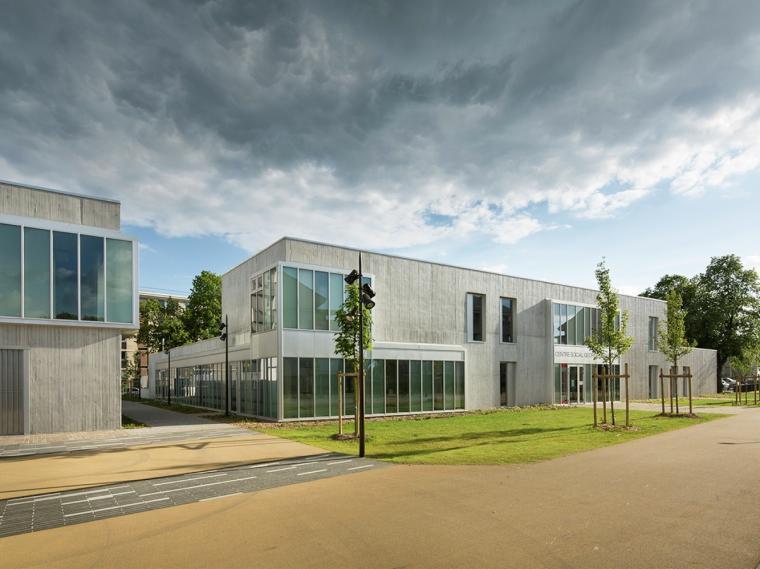 法国社交中心改造
