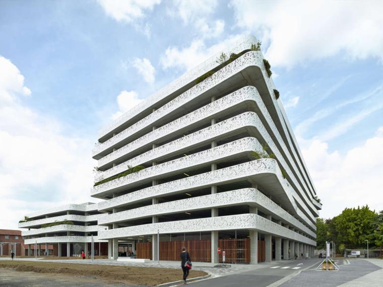 比利时AZ Sint-Lucas停车场