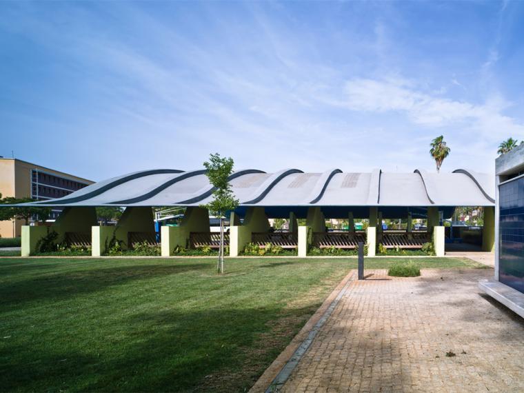西班牙大学体育馆改造