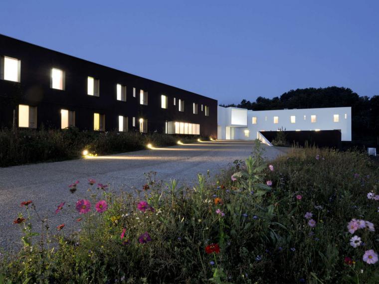 法国Pont-sur-Yonne 92床疗养院