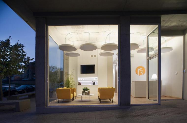 西班牙R3活动疗养中心外部夜景实-西班牙R3活动疗养中心第10张图片