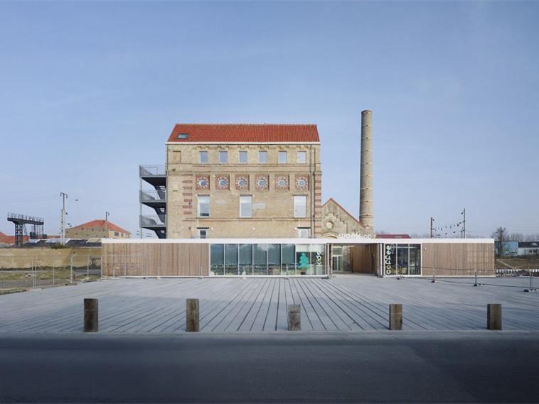 Dunkirk郊工业厂房改造