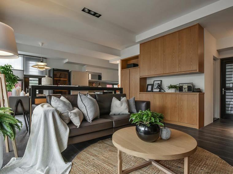 光源与暖色调风格的住宅