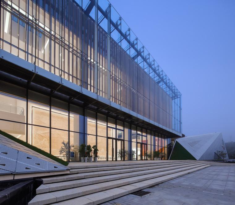 宜昌规划展览馆外部夜景实景图-宜昌规划展览馆第15张图片