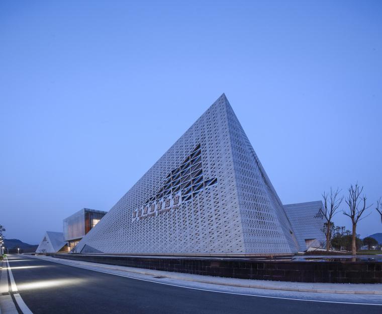 宜昌规划展览馆外部夜景实景图-宜昌规划展览馆第17张图片