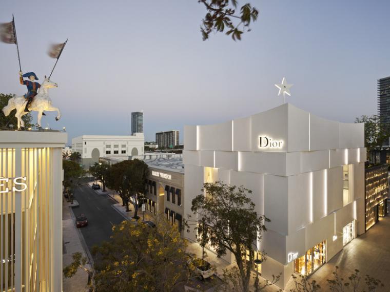 迈阿密Dior旗舰店立面改造