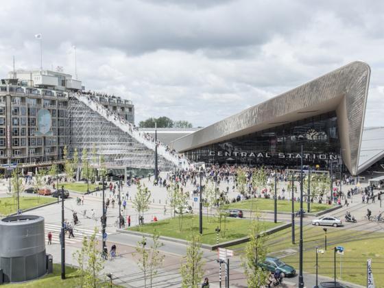 荷兰Rotterdam市中心纪念式阶梯装置第1张图片