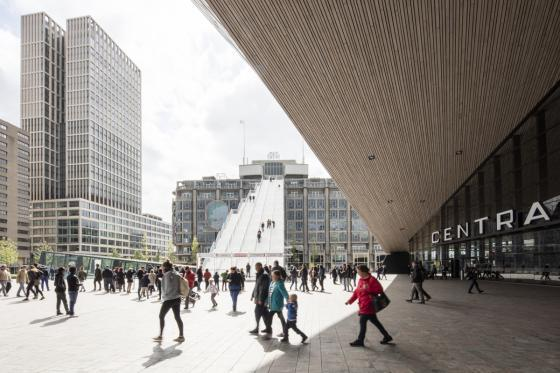荷兰Rotterdam市中心纪念式阶梯装-荷兰Rotterdam市中心纪念式阶梯装置第8张图片