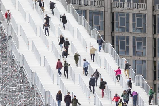 荷兰Rotterdam市中心纪念式阶梯装-荷兰Rotterdam市中心纪念式阶梯装置第22张图片
