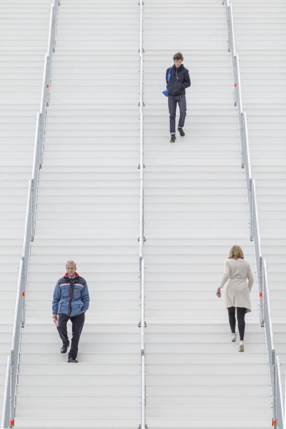 荷兰Rotterdam市中心纪念式阶梯装-荷兰Rotterdam市中心纪念式阶梯装置第26张图片