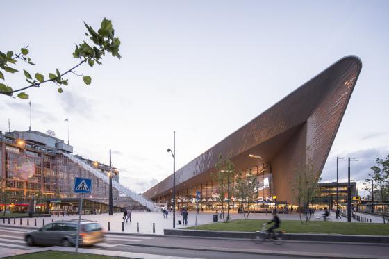 荷兰Rotterdam市中心纪念式阶梯装-荷兰Rotterdam市中心纪念式阶梯装置第28张图片