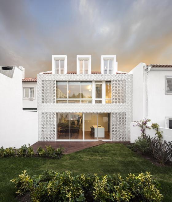 葡萄牙雷斯特洛住宅外部实景图-葡萄牙雷斯特洛住宅第2张图片