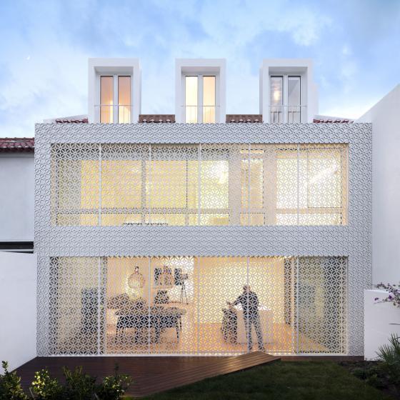 葡萄牙雷斯特洛住宅外部夜景实景-葡萄牙雷斯特洛住宅第7张图片