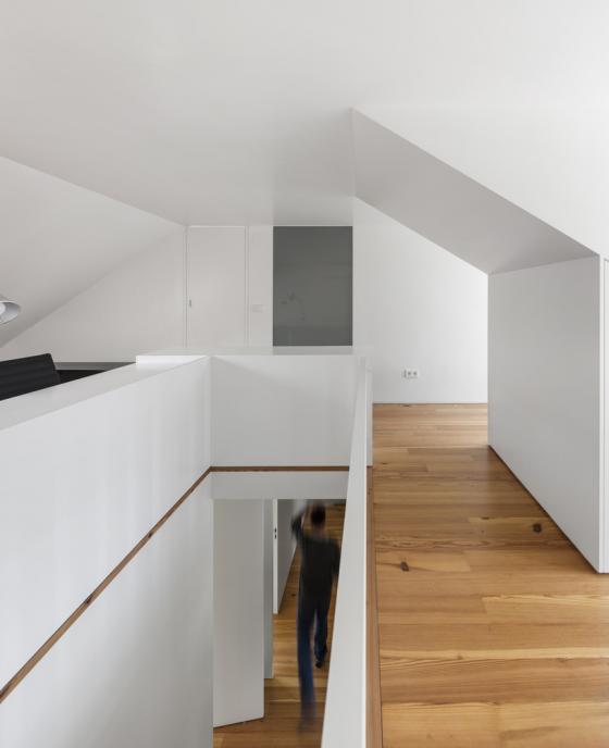 葡萄牙雷斯特洛住宅内部实景图-葡萄牙雷斯特洛住宅第16张图片