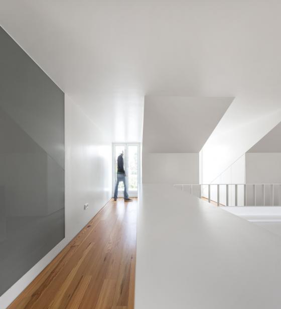 葡萄牙雷斯特洛住宅内部实景图-葡萄牙雷斯特洛住宅第17张图片