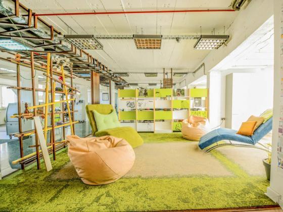 塞尔维亚Devana Technologies公司办公室第1张图片