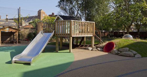 英国Martyrs小学运动场的改造外部-英国Martyrs小学运动场的改造第5张图片