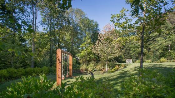 英国Chestnut山地花园外部实景图-英国Chestnut山地花园第5张图片
