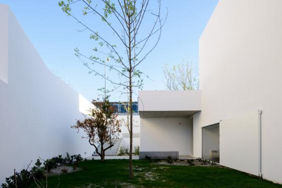 葡萄牙奥埃拉斯住宅外部实景图-葡萄牙奥埃拉斯住宅第2张图片