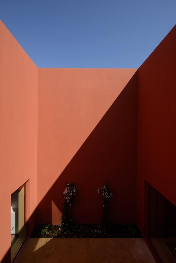 葡萄牙奥埃拉斯住宅外部实景图-葡萄牙奥埃拉斯住宅第9张图片