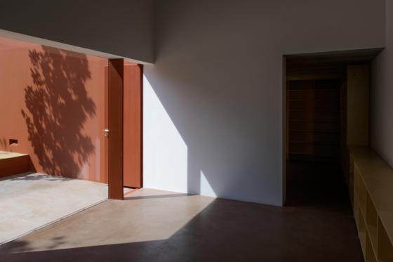 葡萄牙奥埃拉斯住宅内部实景图-葡萄牙奥埃拉斯住宅第14张图片