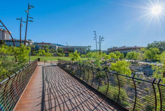 美国德克萨斯大学ElPaso校区世纪广场-美国德克萨斯大学El Paso校区世纪-美国德克萨斯大学El Paso校区世纪广场第6张图片