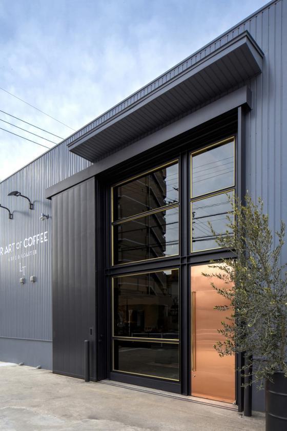 日本R艺术咖啡店外部实景图-日本R艺术咖啡店第2张图片
