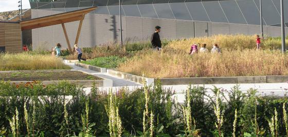 英国伦敦水晶大楼外部实景图-英国伦敦水晶大楼第9张图片