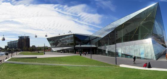 英国伦敦水晶大楼外部实景图-英国伦敦水晶大楼第11张图片
