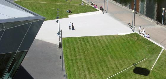 英国伦敦水晶大楼外部实景图-英国伦敦水晶大楼第12张图片