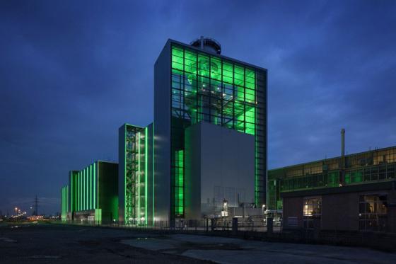 德国Lausward发电厂外部夜景实景-德国Lausward发电厂第6张图片