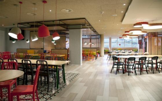 西班牙可口可乐总部员工餐厅室内-西班牙可口可乐总部员工餐厅第2张图片