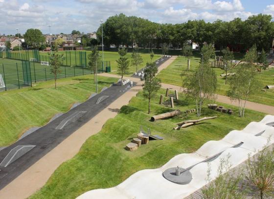 英国Drapers公园外部实景图-英国Drapers公园第2张图片