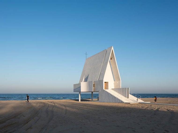 北戴河的白色教堂