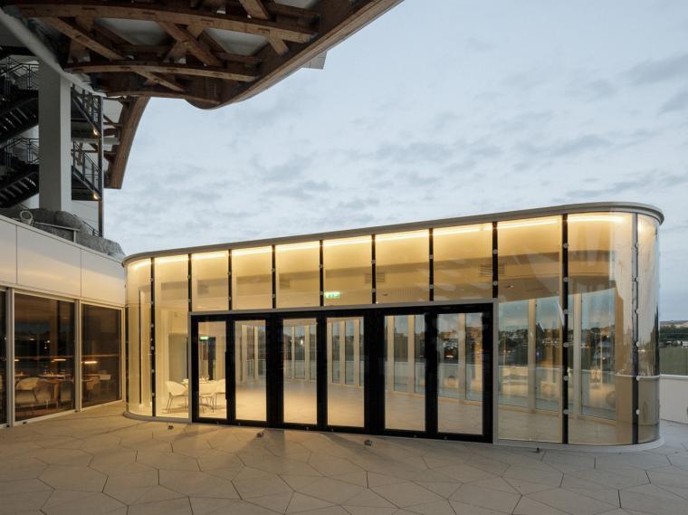法国蓬皮杜梅斯餐厅加建