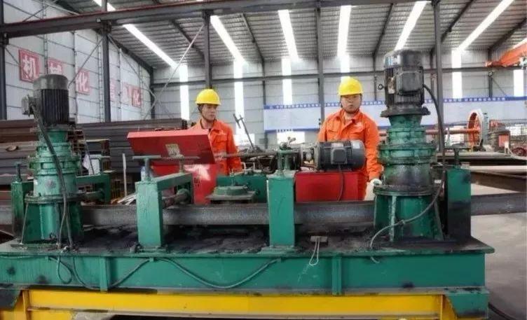 湘西最美高铁取得新进展,又一隧道工程顺利贯通!_12