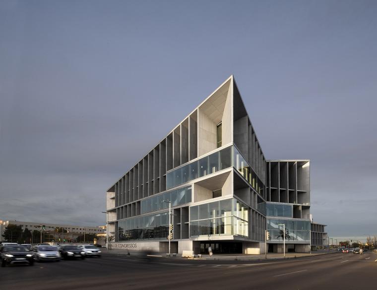 沿海岸线国会中心与酒店