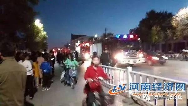 10月28日驻马店市驿城区一施工现场塔吊倒塌伤亡人数不详_4