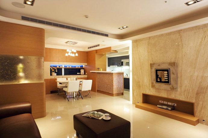 130平现代简约风格三居室餐厅装修效果图