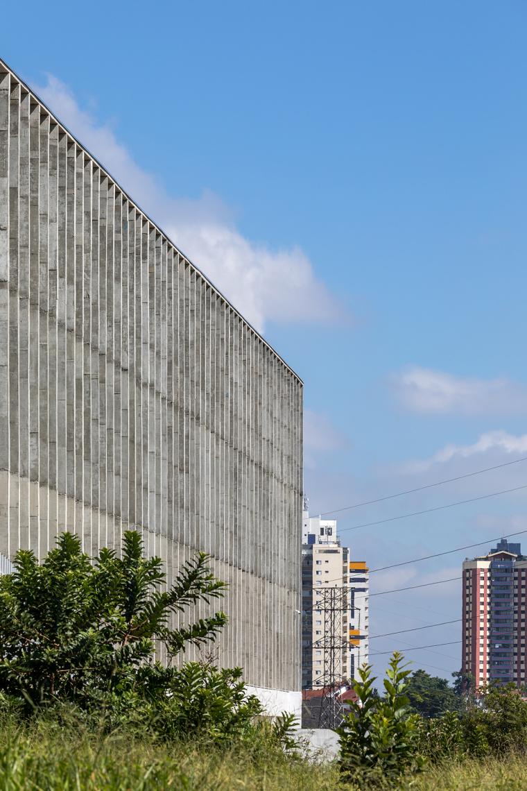 巴西安汉比莫隆比大学新建筑-6