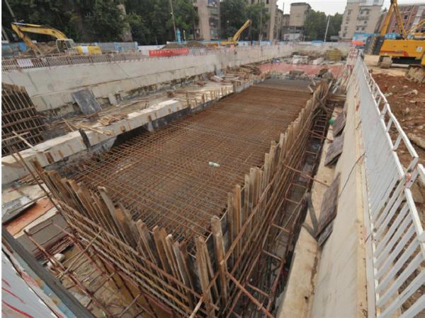 隧道施工方法之盖挖法