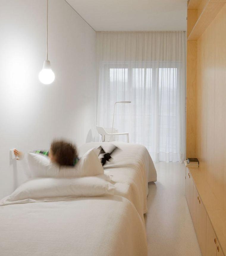 葡萄牙:让光线穿行无阻带来敞亮空间_9