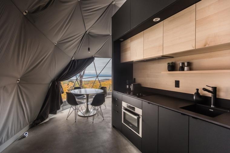加拿大树林里的球状帐篷旅馆-7
