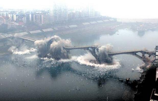 炸桥必须要找到桥梁设计图才能炸塌吗?